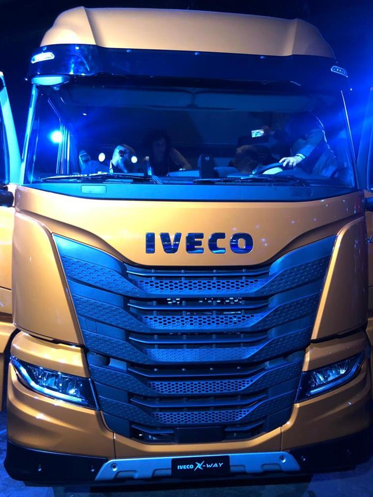 Nuovo IVECO X-WAY