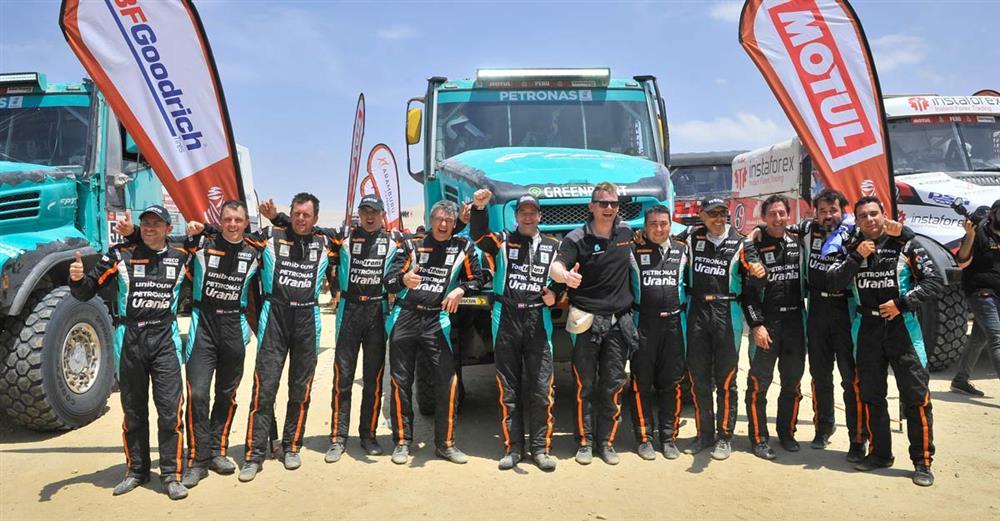 Obiettivo raggiunto per il Team PETRONAS De Rooy IVECO nella prima edizione                 mediorientale del rally Dakar